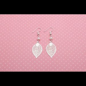 Jewelry - Silver Leaf Filligree Teardrop Earrings